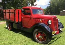 Pita-35-Ford-F1-Stakebed-scaled